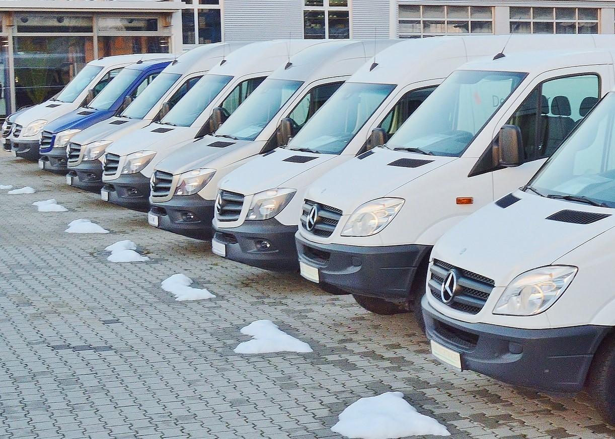 Dynamiczny wzrost sprzedaży samochodów dostawczych