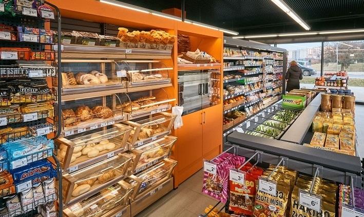 Carrefour rozwija sieć sklepów przy stacjach paliw