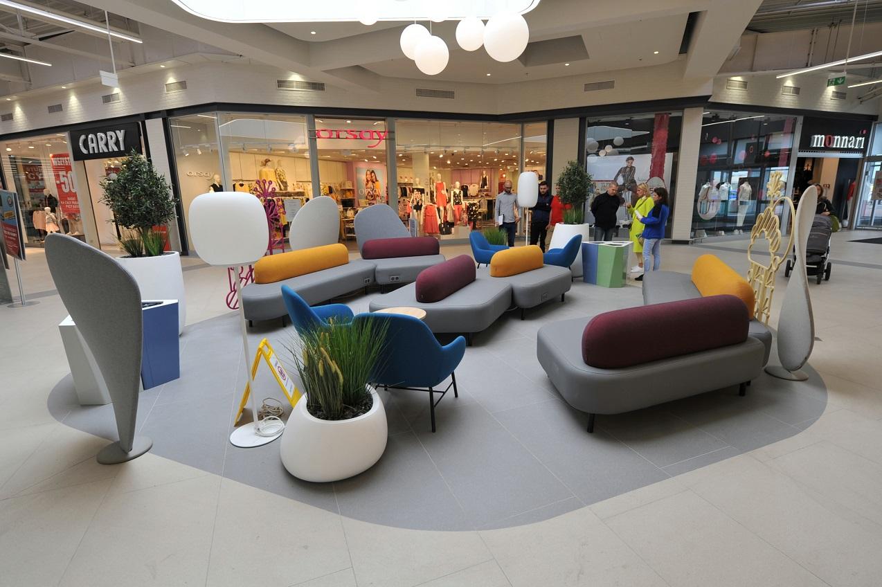 CH Auchan Kołbaskowo z odnowionym wnętrzem