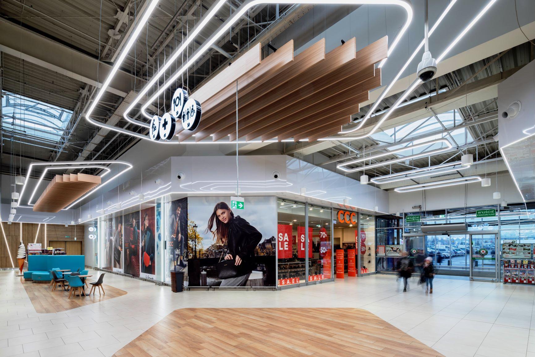 Centrum Handlowe Auchan Żory z nowymi wnętrzami