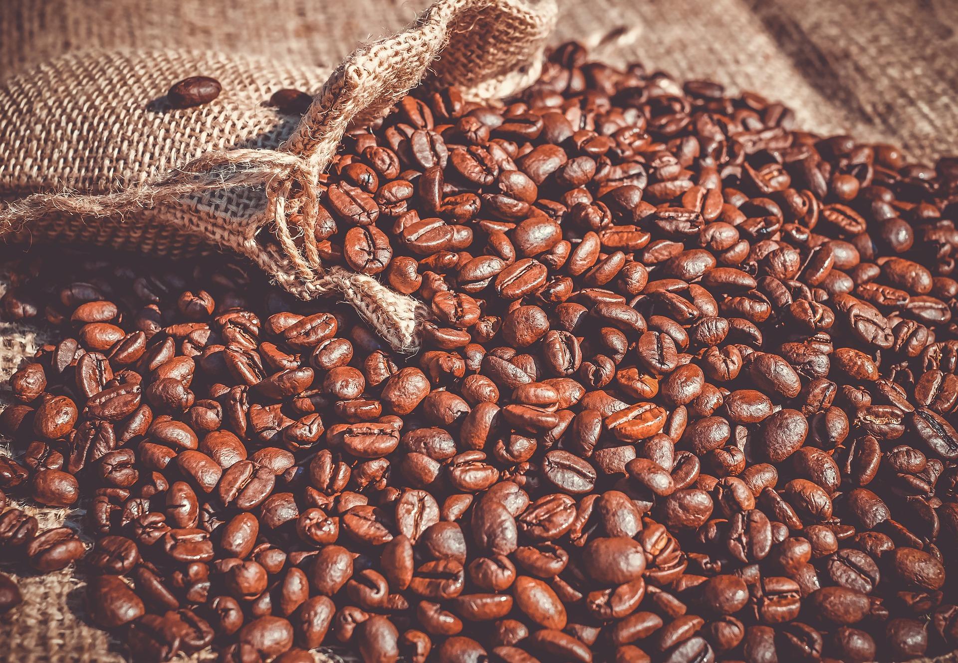 Dobre zbiory kawy na świecie mogą wpływać na obniżki cen