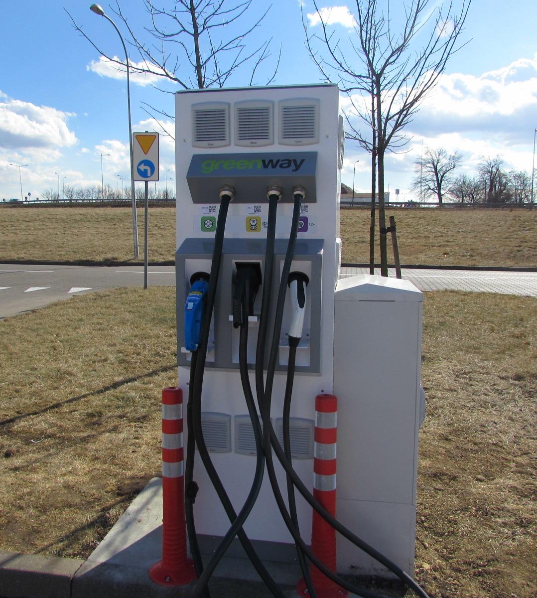 Auchan wspiera elektromobilność