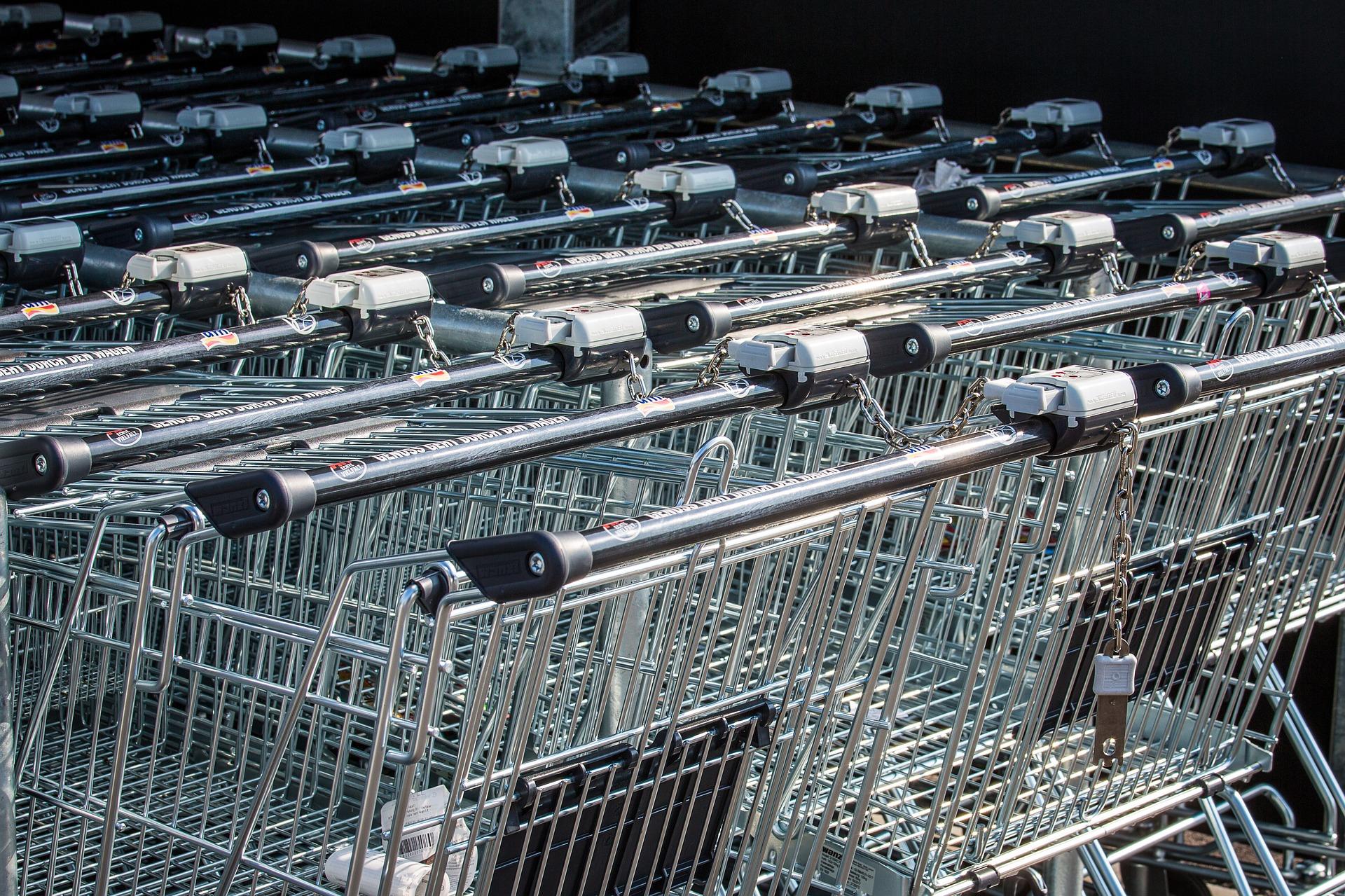 Polacy zaoszczędzili na zakazie handlu w niedzielę