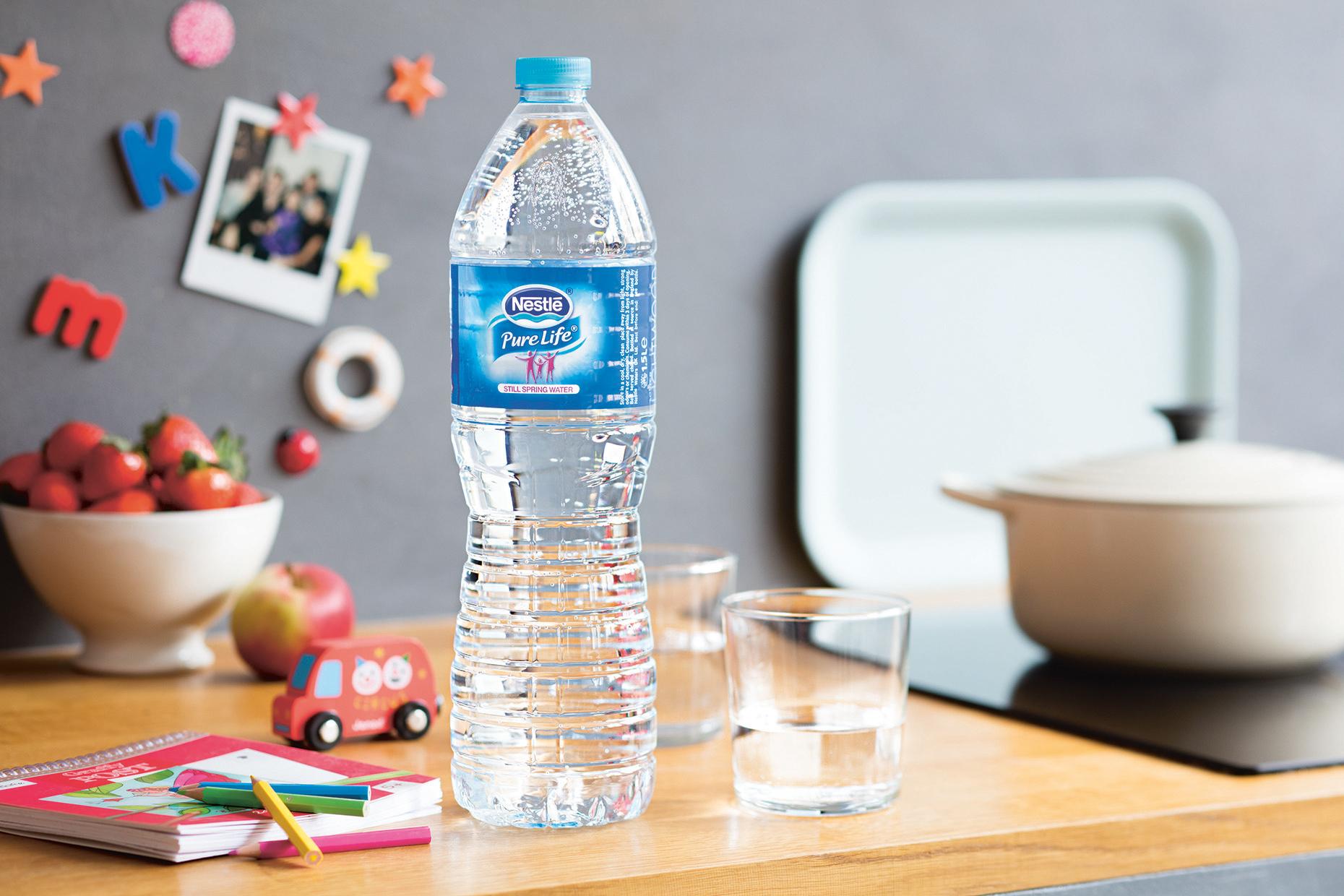 W ubiegłym roku Polacy pili więcej wody, ale wciąż za mało wobec spożycia zalecanego przez dietetyków