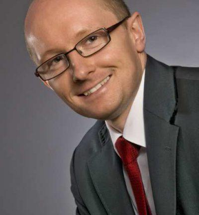 Adam Manikowski  - wiceprezes ds. operacyjnych  Tesco Polska