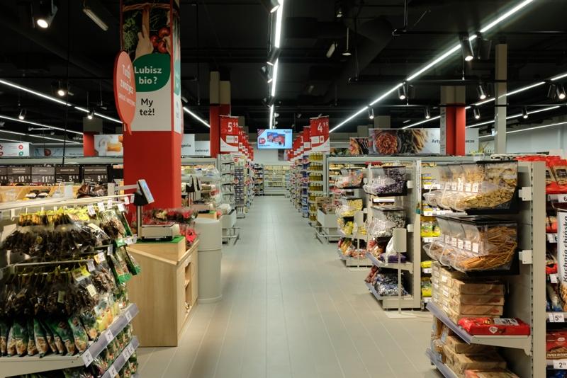 Zbiórka żywności PCK w sklepach Auchan