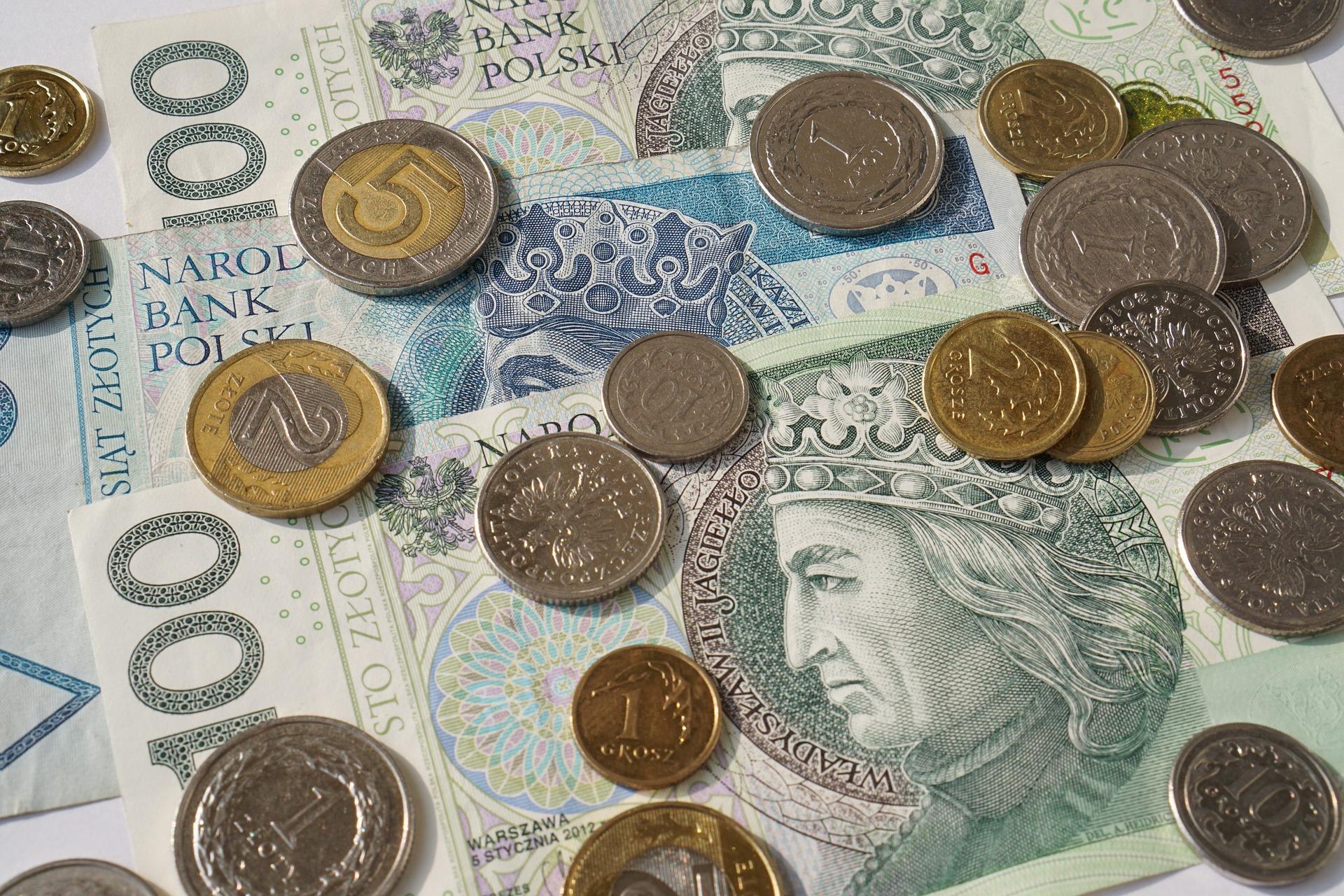 Ile zarobili Polacy w 2017 r.?