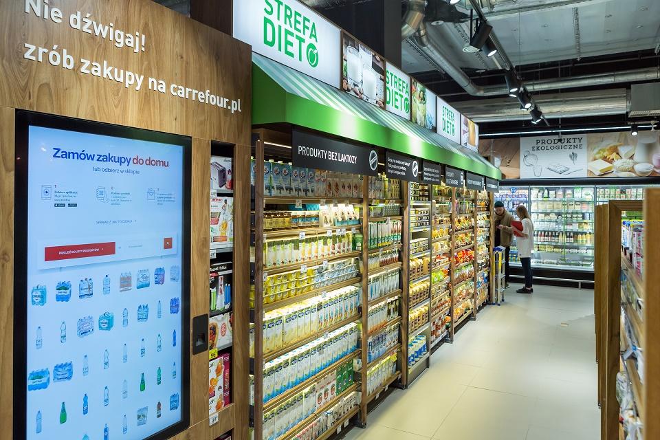 Sklepy Carrefour Polska z dodatkowymi usługami