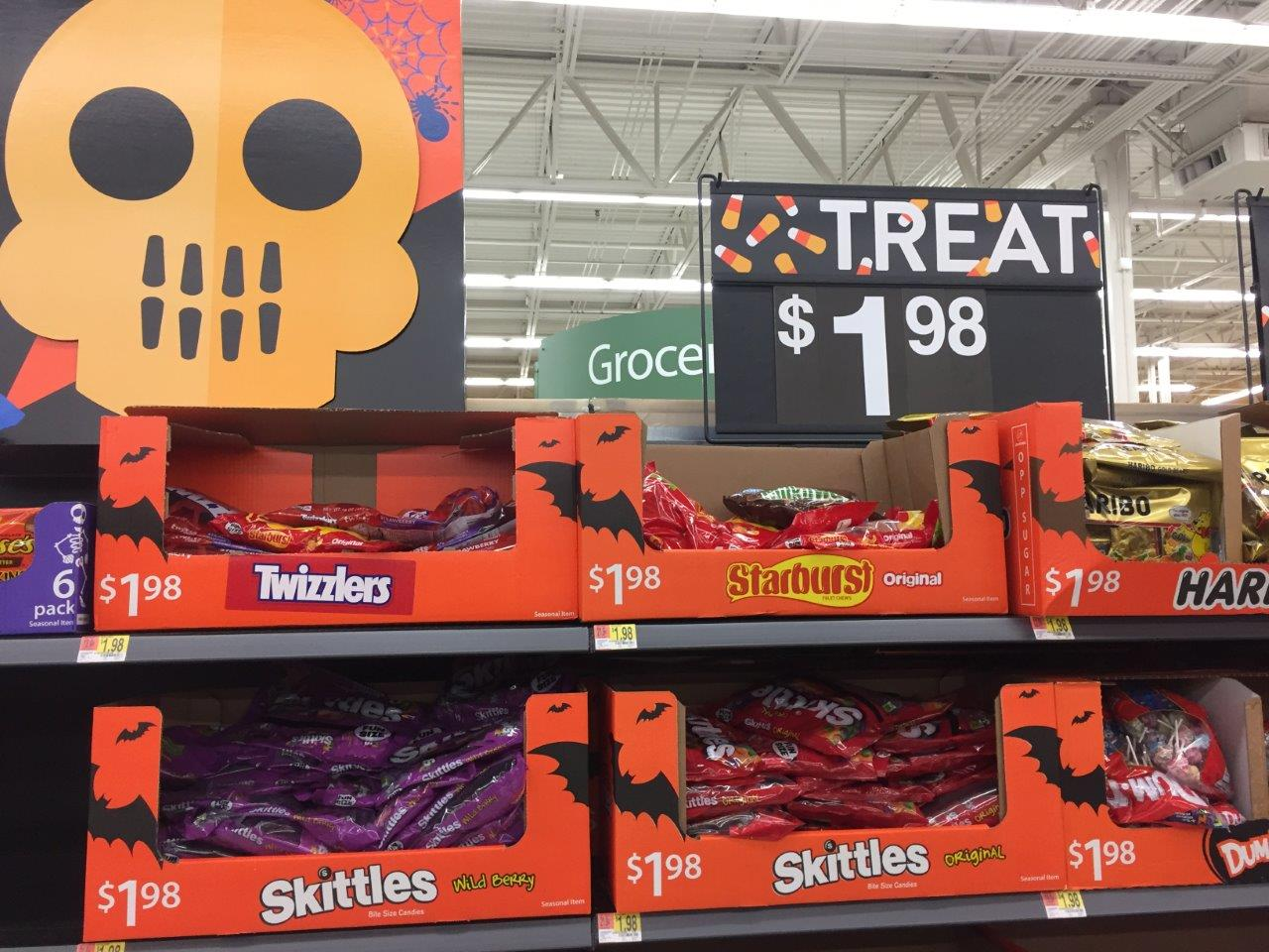 Walmart już przygotowany do Halloween