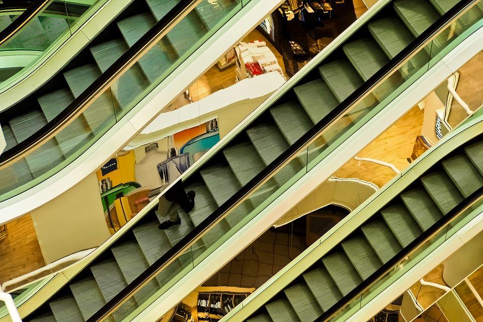Centra handlowe stawiają na inwestycje