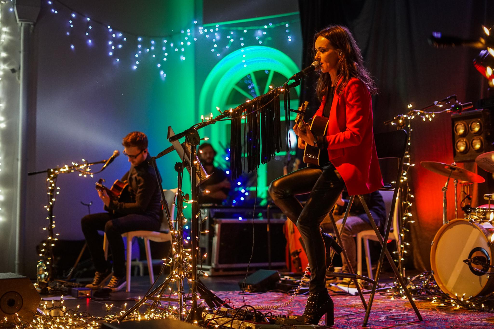 Kasia Kowalska śpiewa dla fanów Fortuny