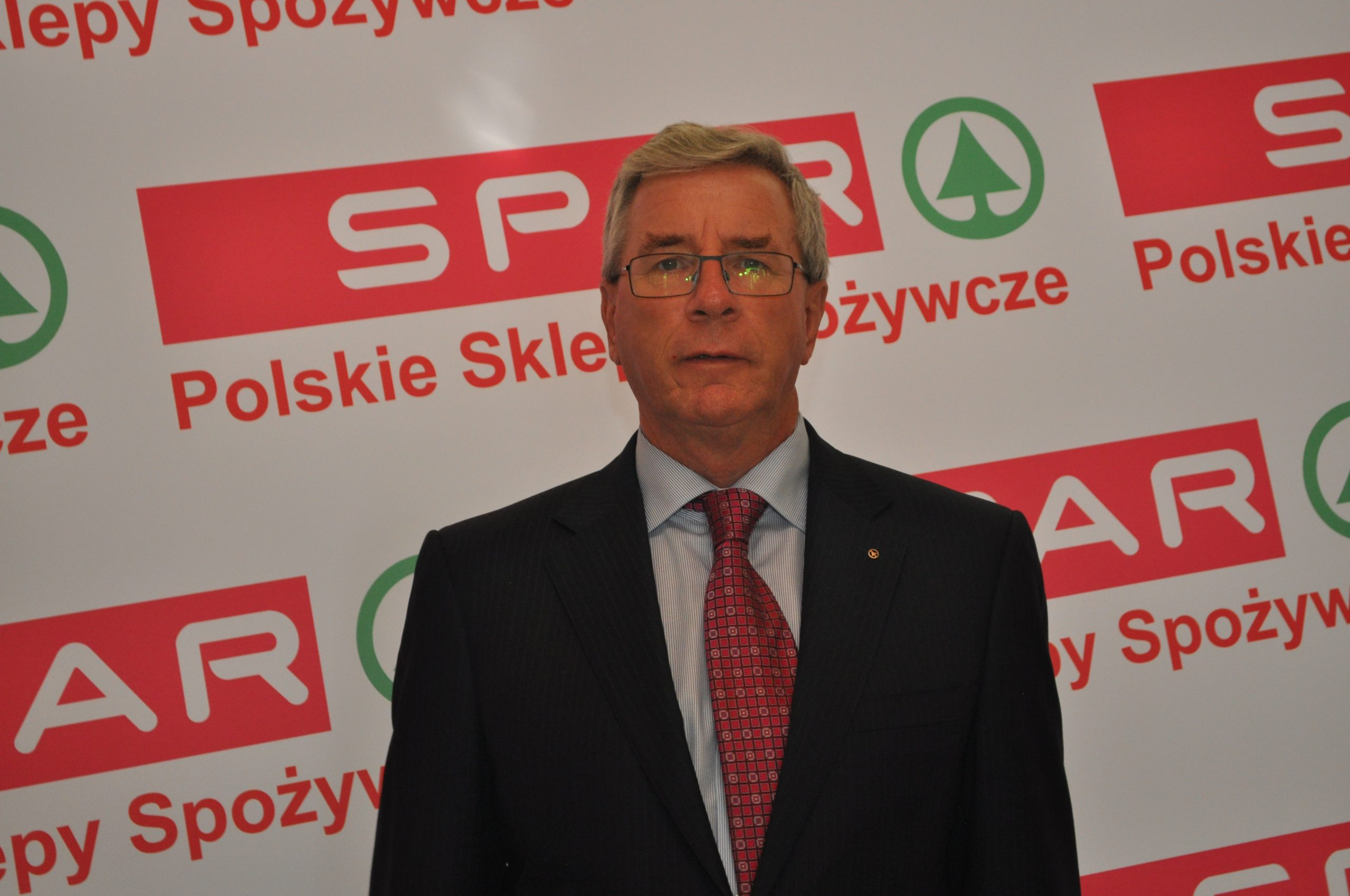 dr Gordon R. Campbell, Dyrektor Zarządzający SPAR International
