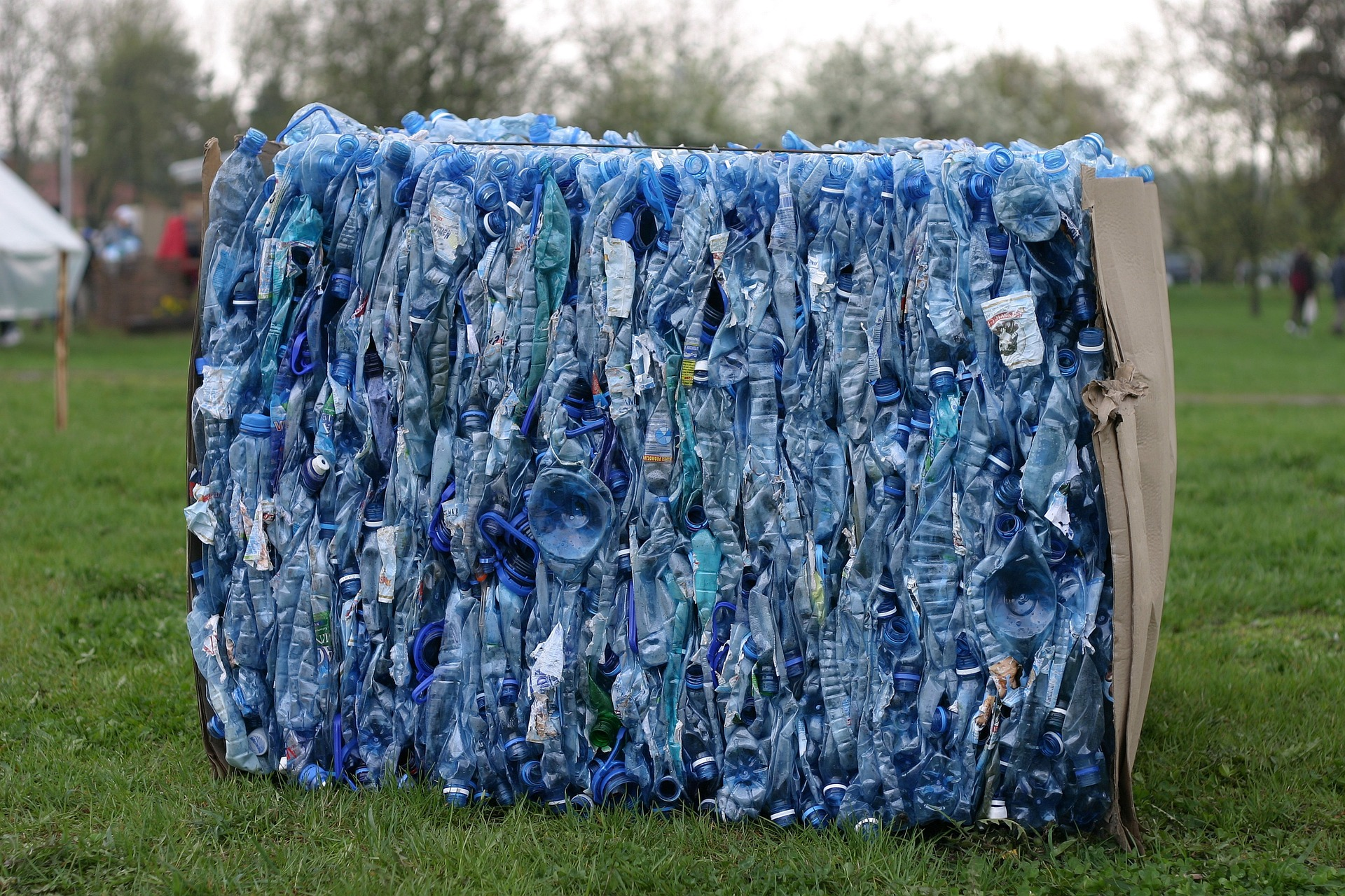 Czy UE wprowadzi podatek od plastikowych opakowań?