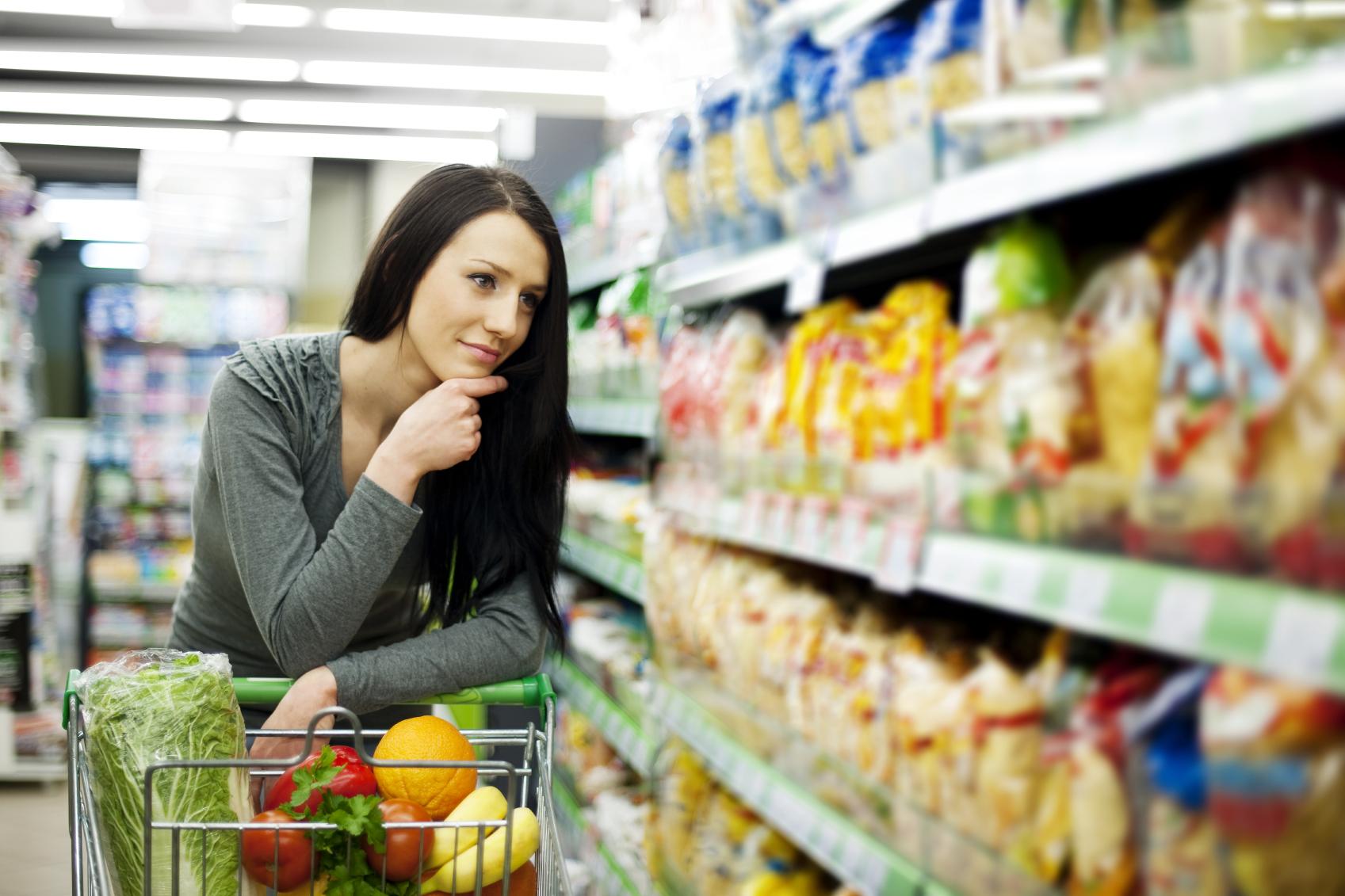 Nielsen: 70% decyzji zakupowych przed półką sklepową