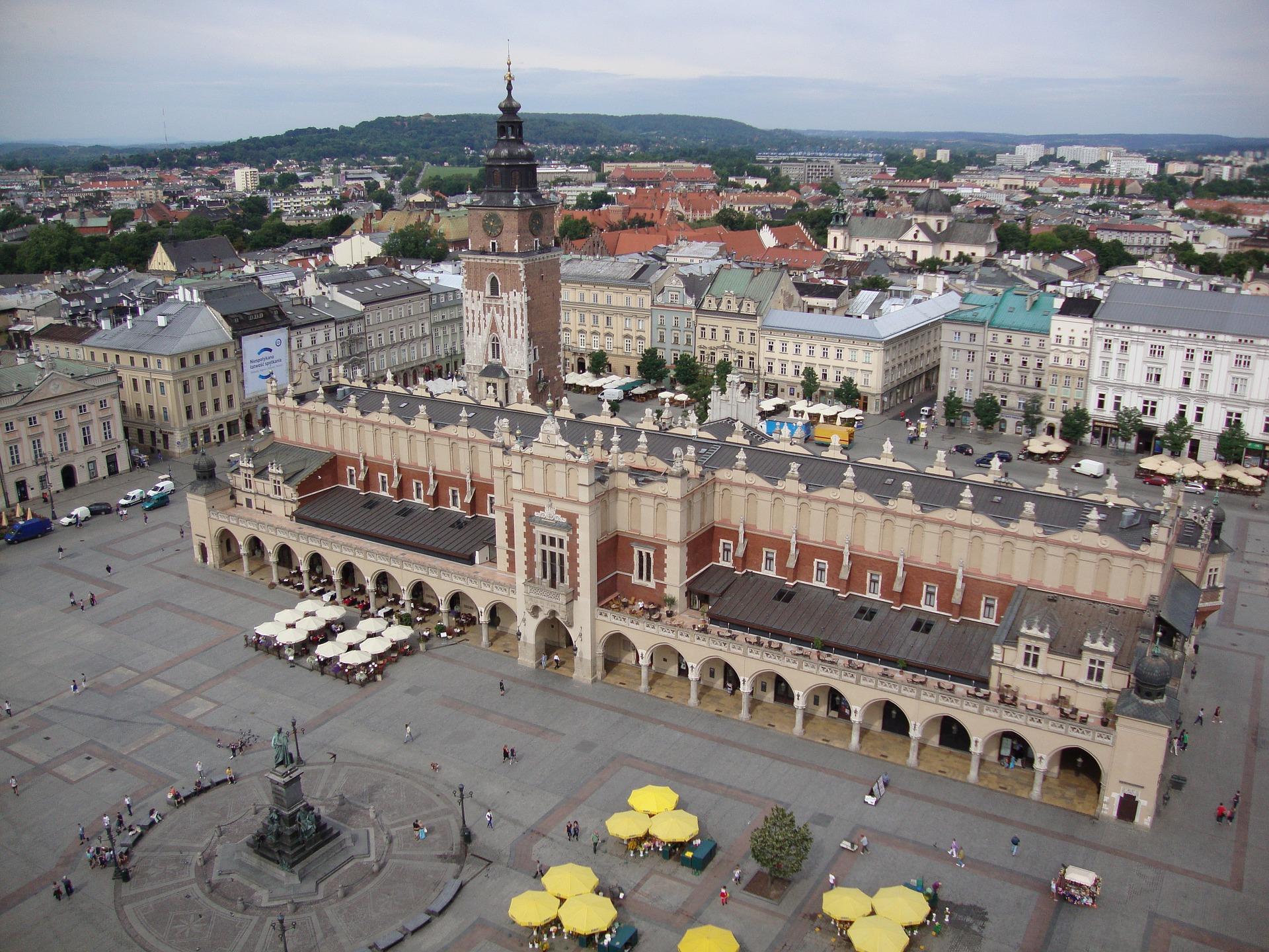 Nocna prohibicja w Krakowie wstrzymana