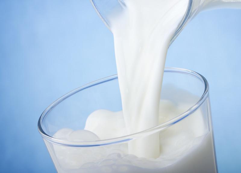 ARR: Do czerwca utrzymają się wysokie ceny mleka