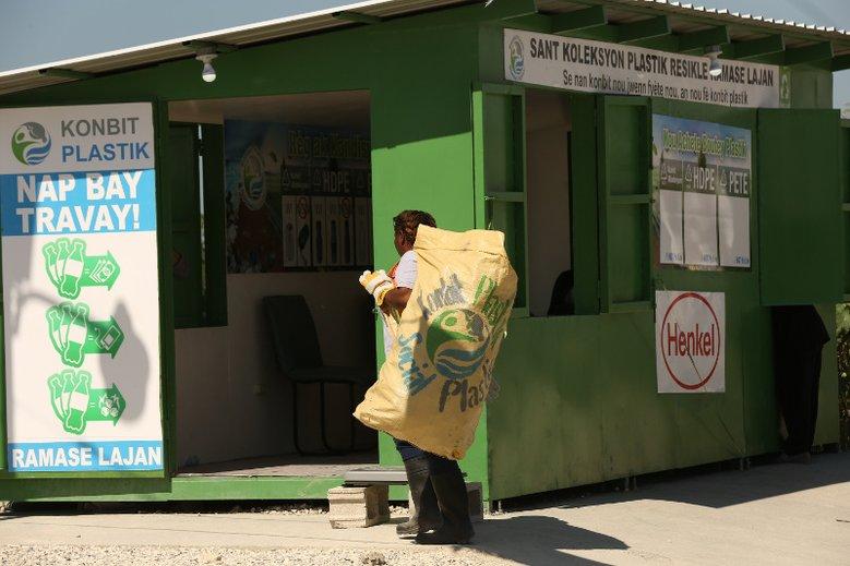 Henkel wprowadza opakowania z odpadów pochodzących ze społecznej zbiórki