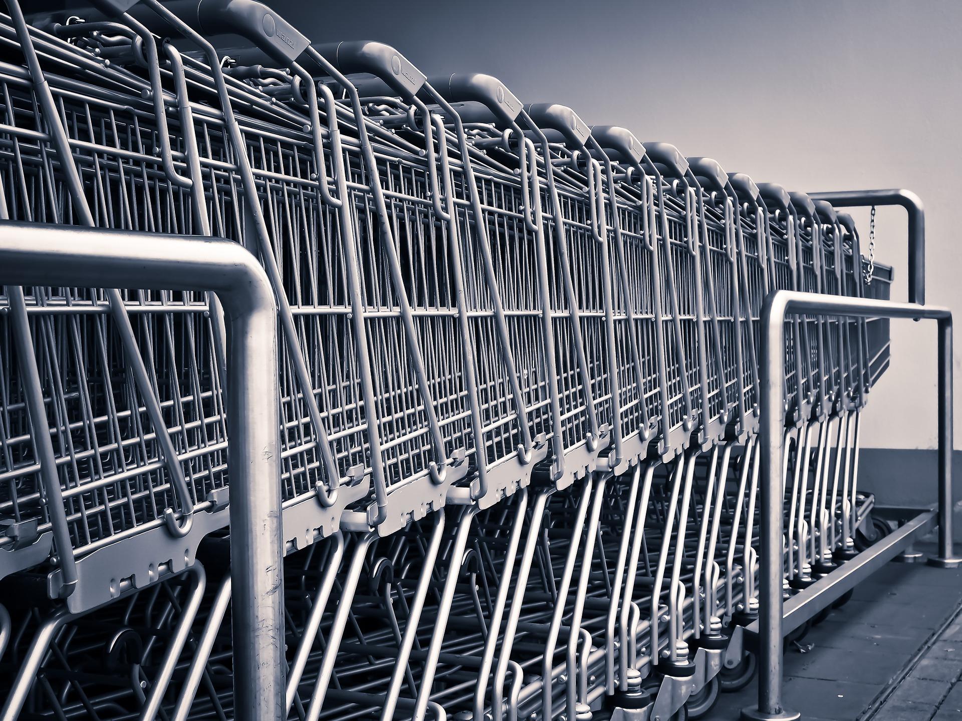 Deloitte: Klienci sklepów rewidują priorytety