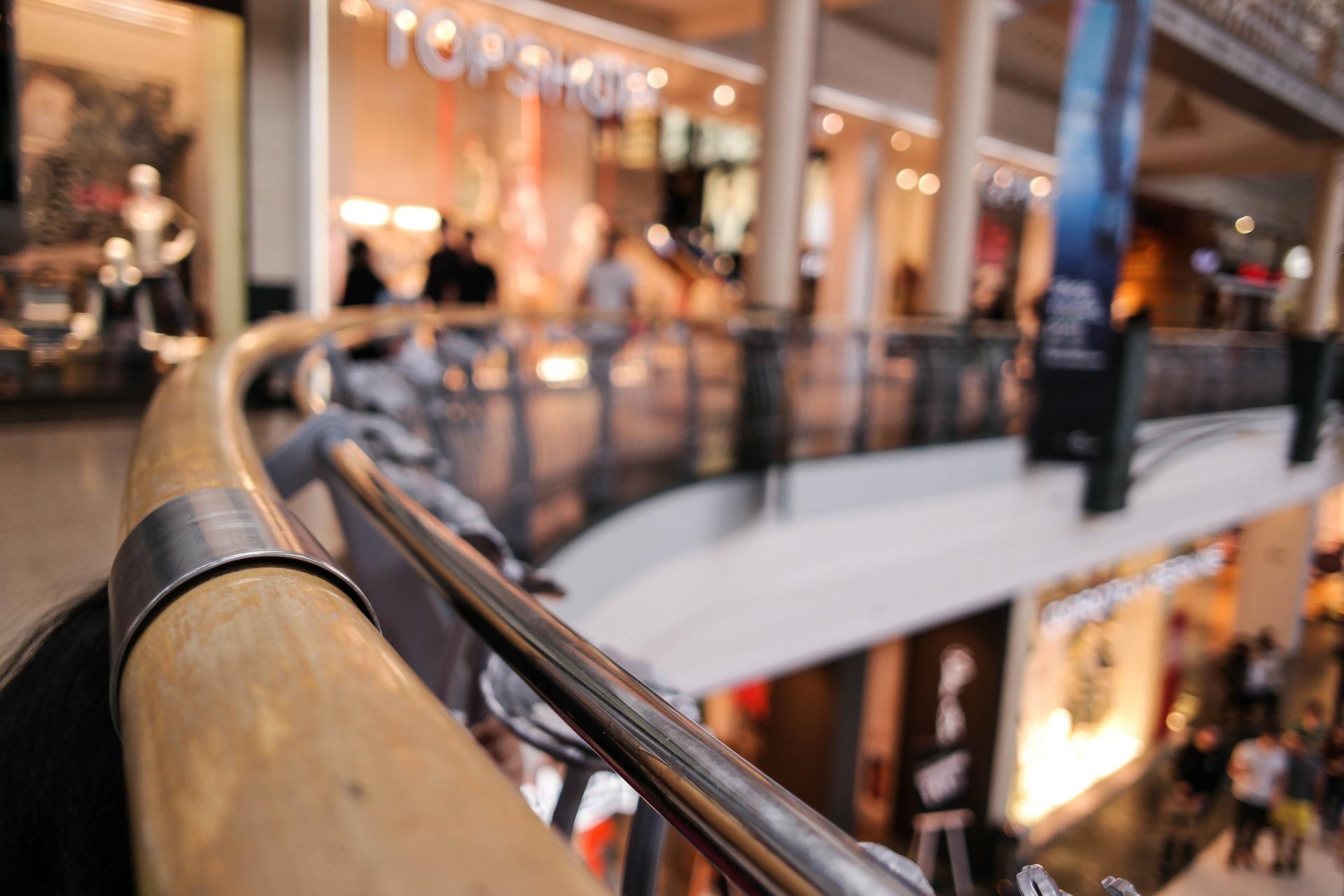 Galerie i sklepy w centrach handlowych liczą straty