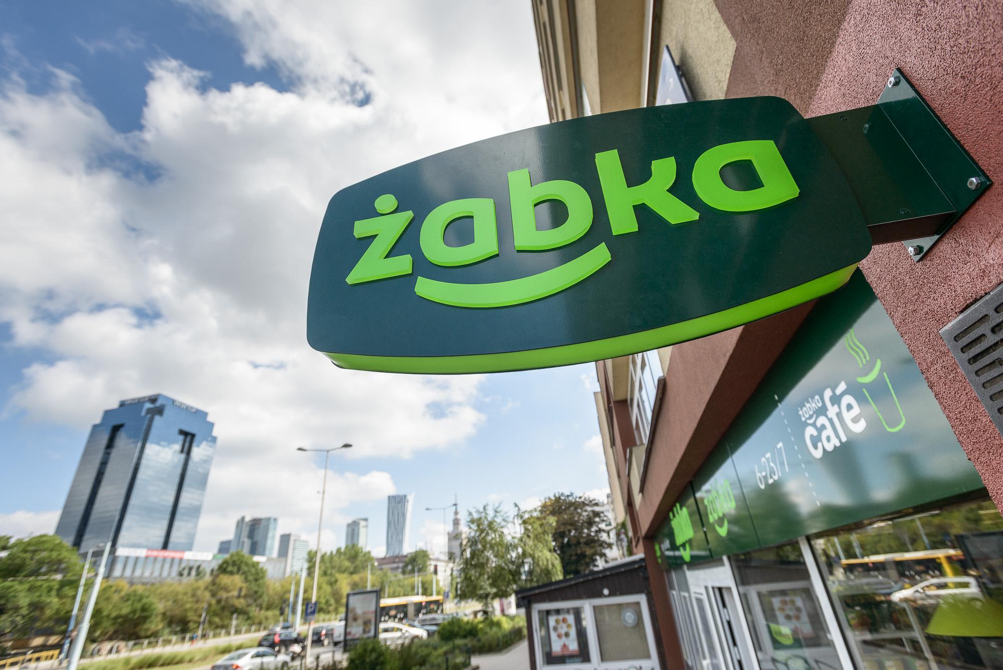 Nowy właściciel sieci sklepów Żabka Polska kontynuuje system franczyzowy