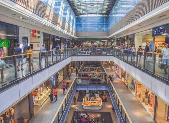Covid-19 przyspiesza zmiany na polskim rynku powierzchni handlowych