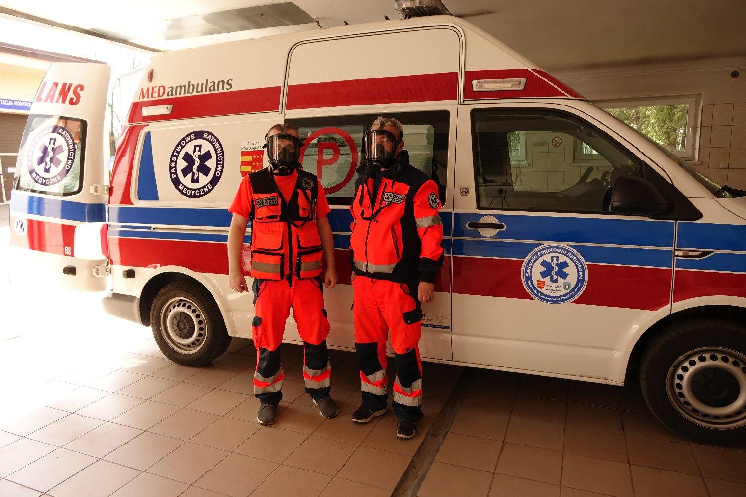 Koral przekazuje sprzęt dla małopolskich ratowników