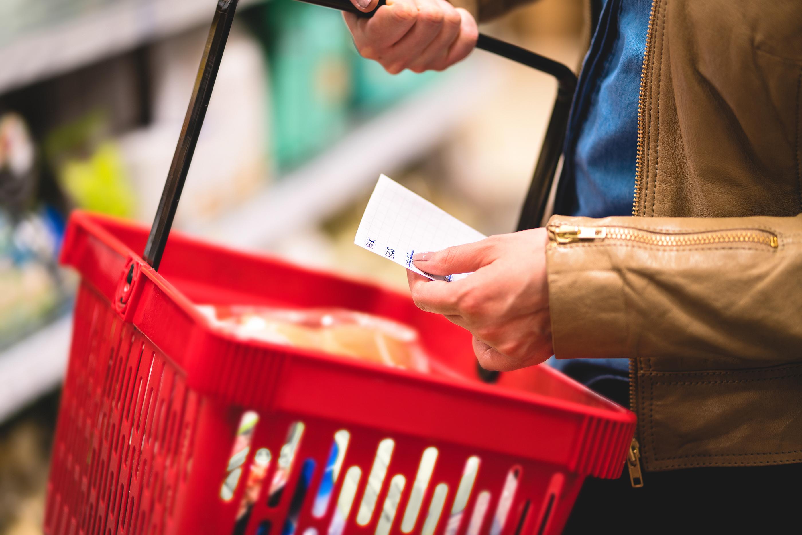 Rok 2021: wyższe ceny na półkach sklepowych