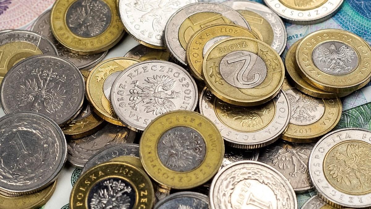 Dane z NBP: Do obiegu trafia coraz mniej monet