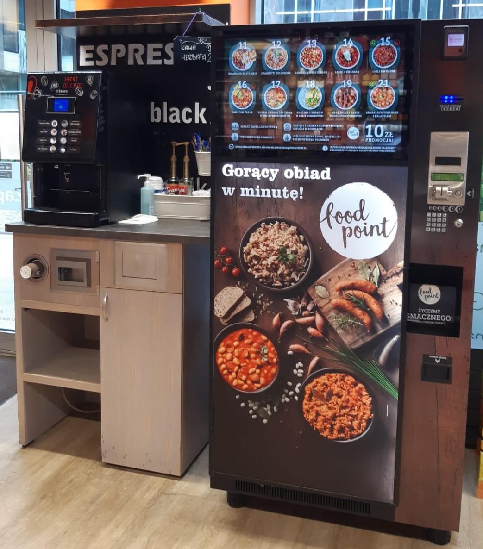 Carrefour testuje w sklepach franczyzowych automaty vendingowe