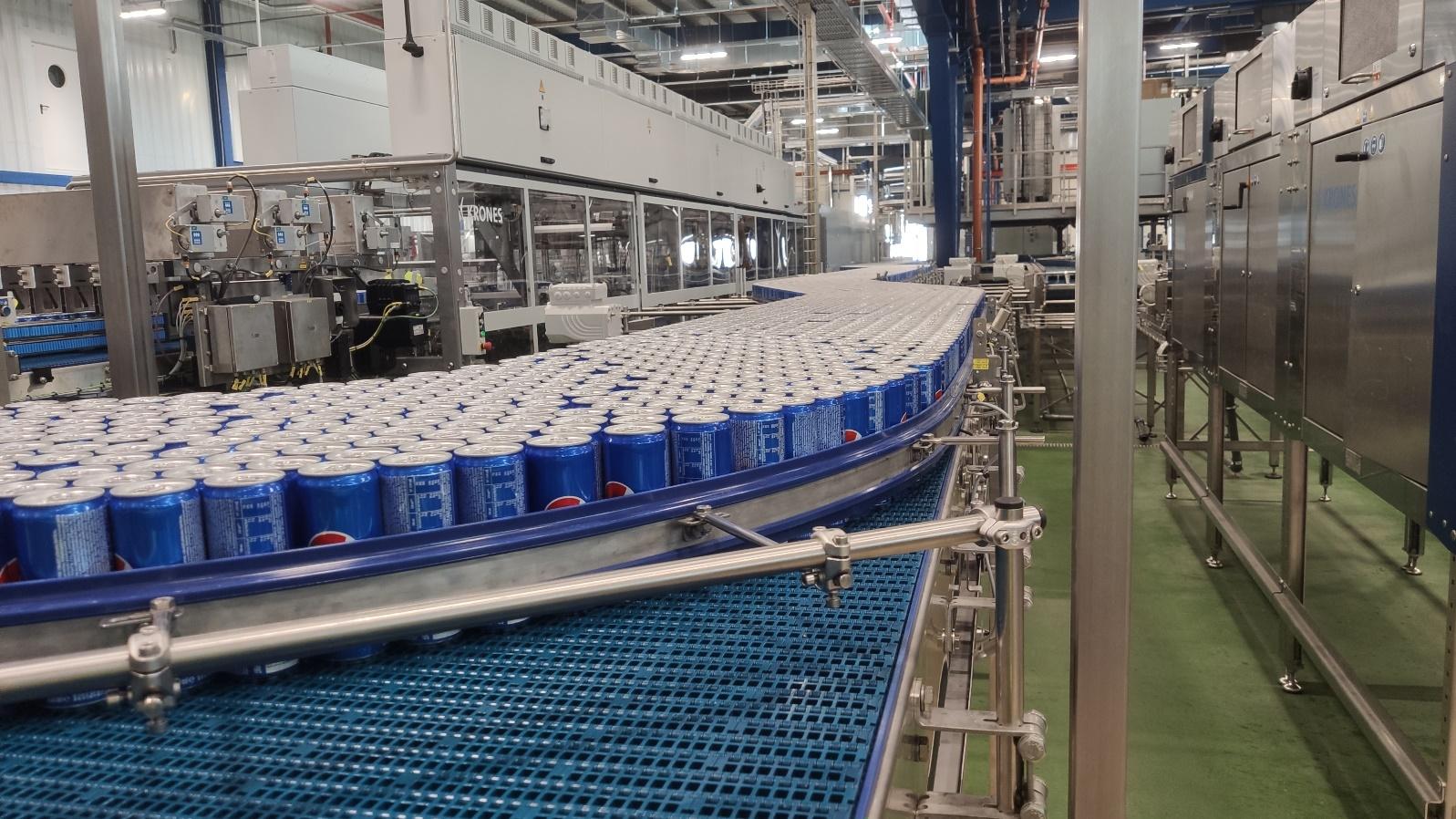 Nowa linia puszek w zakładzie produkującym Pepsi w Michrowie