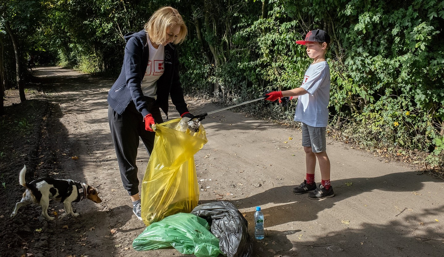 Kaufland włączył się w Akcję Sprzątania Świata