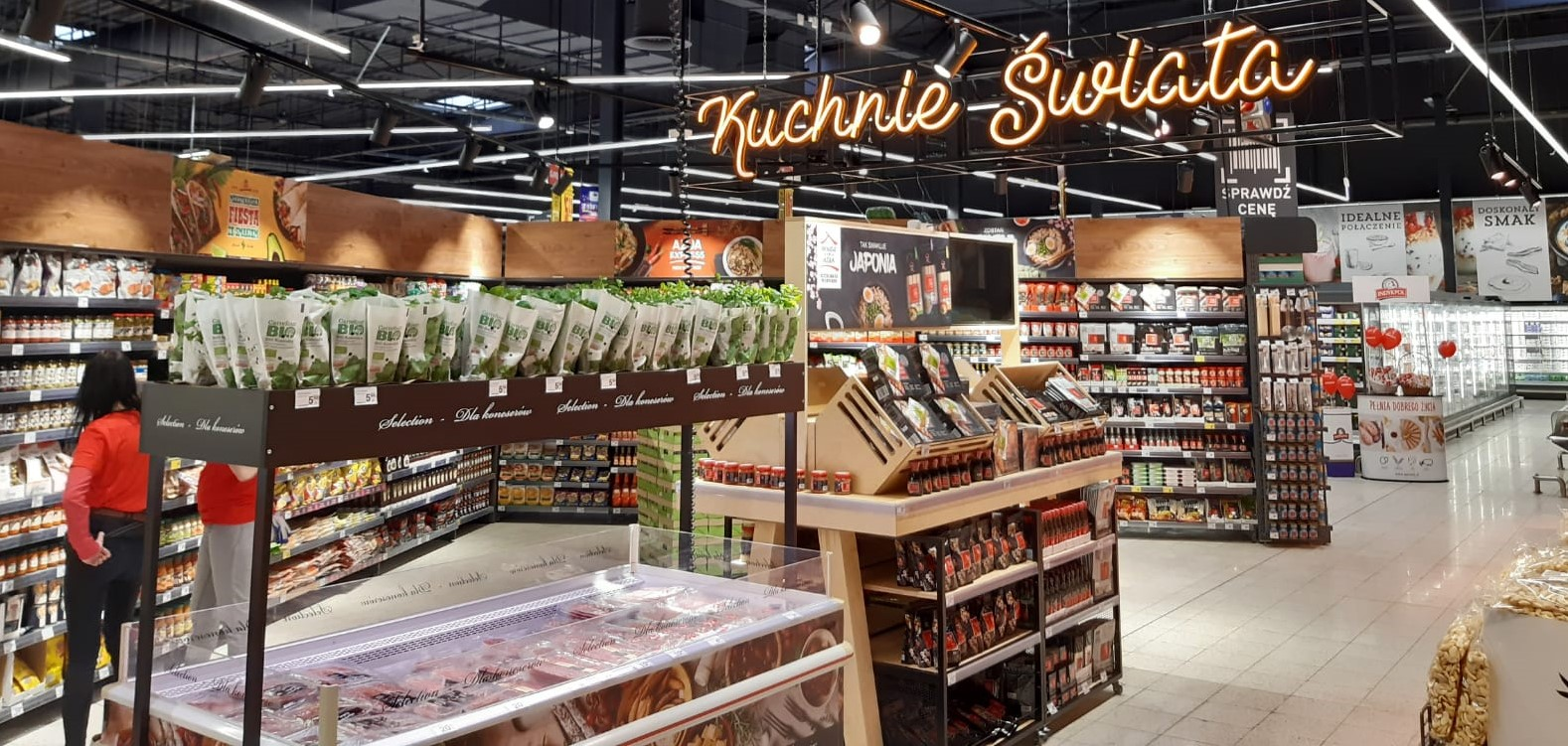 Nowy hipermarket Carrefour oraz sklep Carrefour BIO