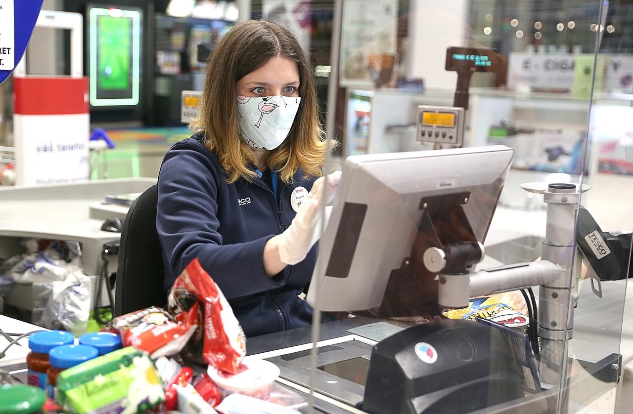 Tesco w Polsce likwiduje kolejne usługi