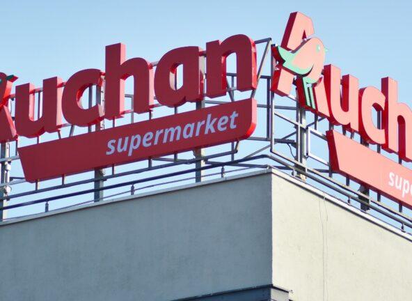 Auchan wspiera seniorów i służby medyczne