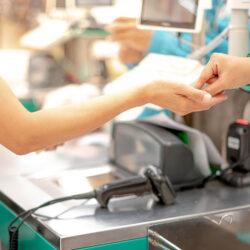 Czy legalny jest zakaz płatności gotówką w sklepie?