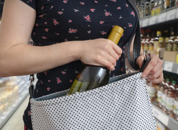 Blisko o 30% wzrosła liczba kradzieży w sklepach