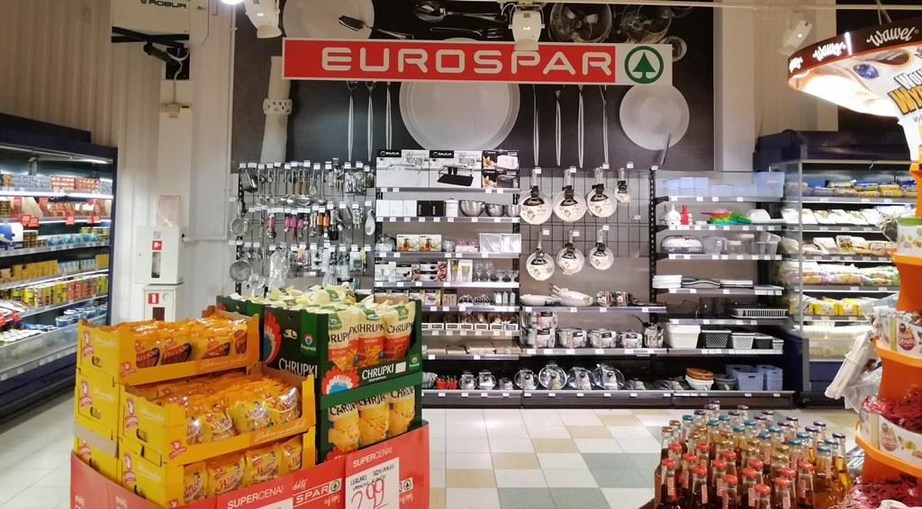 Supermarket Eurospar otwarty w Pile