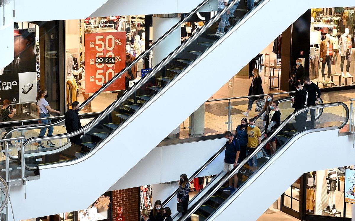 Znacznie mniej wizyt w galeriach handlowych przed świętami