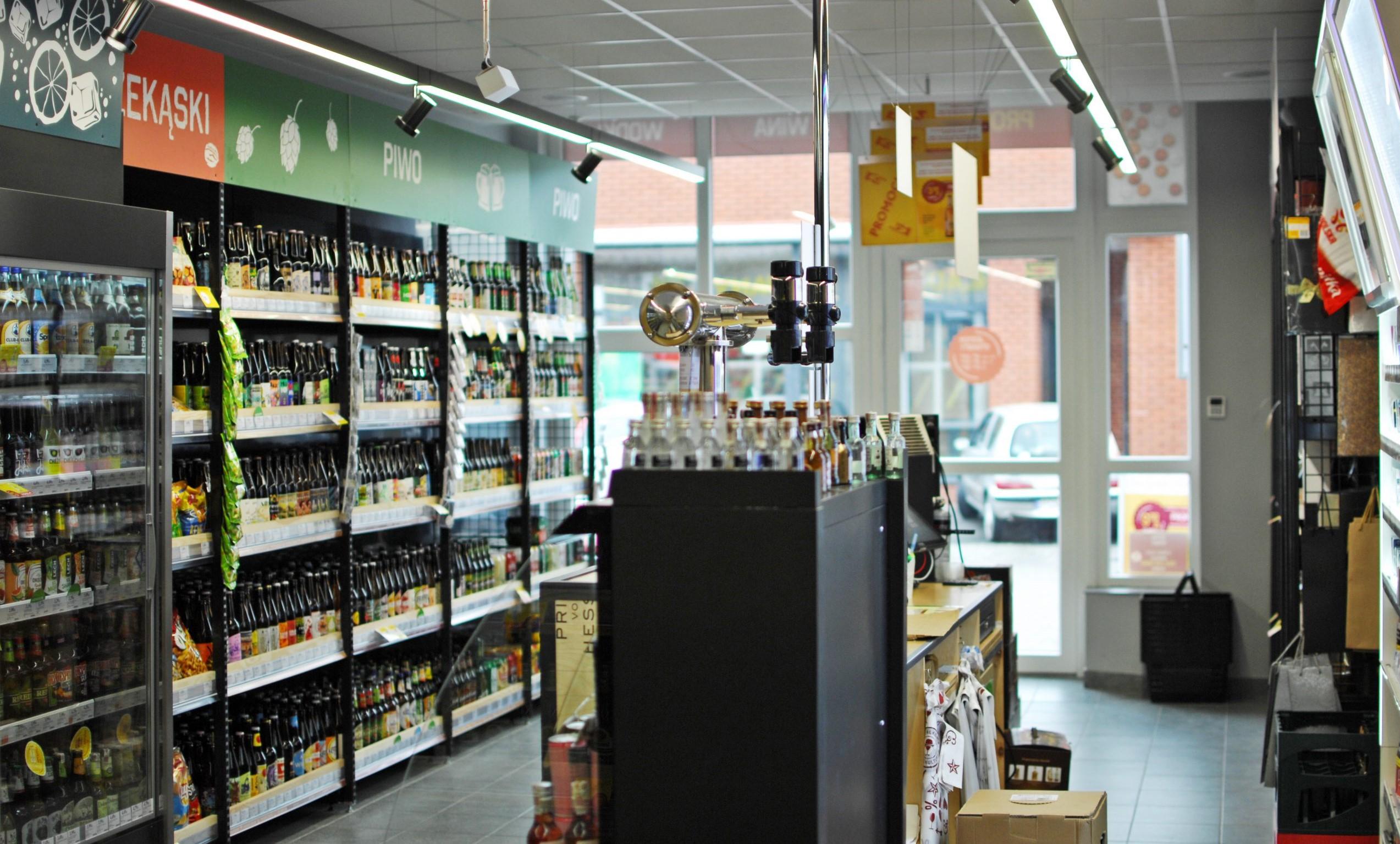 Polacy coraz więcej wydają na alkohol