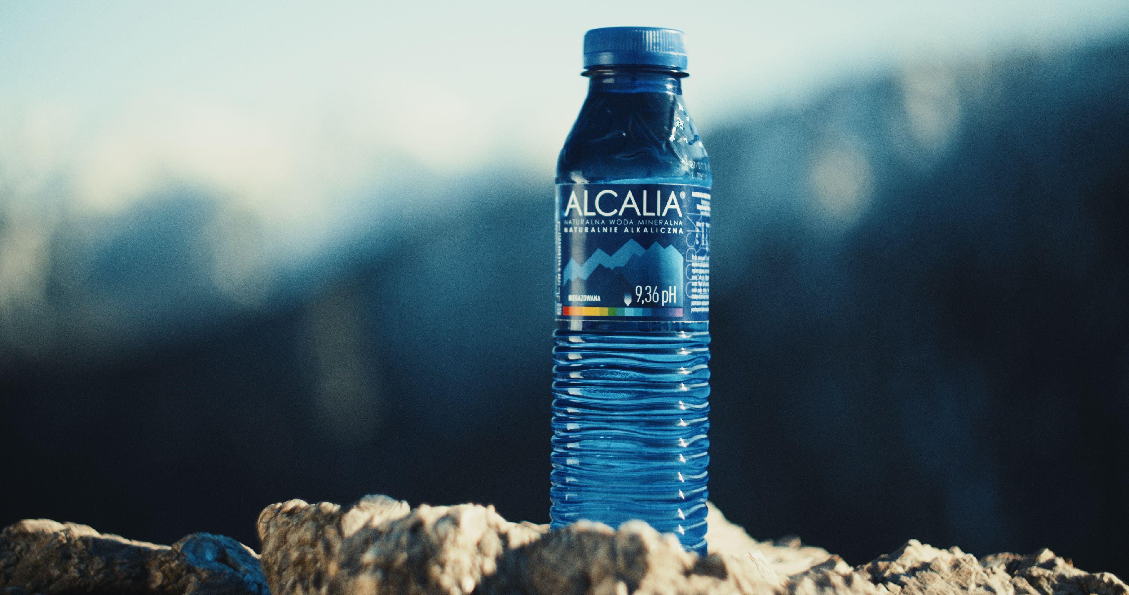 Świadome nawodnienie – bo pH wody, którą pijesz, ma znaczenie