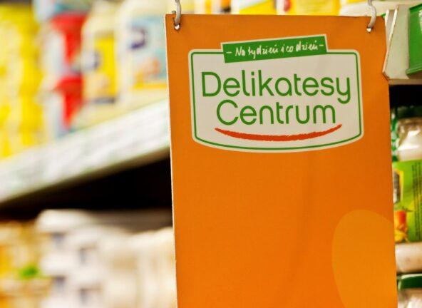 Eurocash zamknie kilkadziesiąt sklepów sieci Delikatesy Centrum